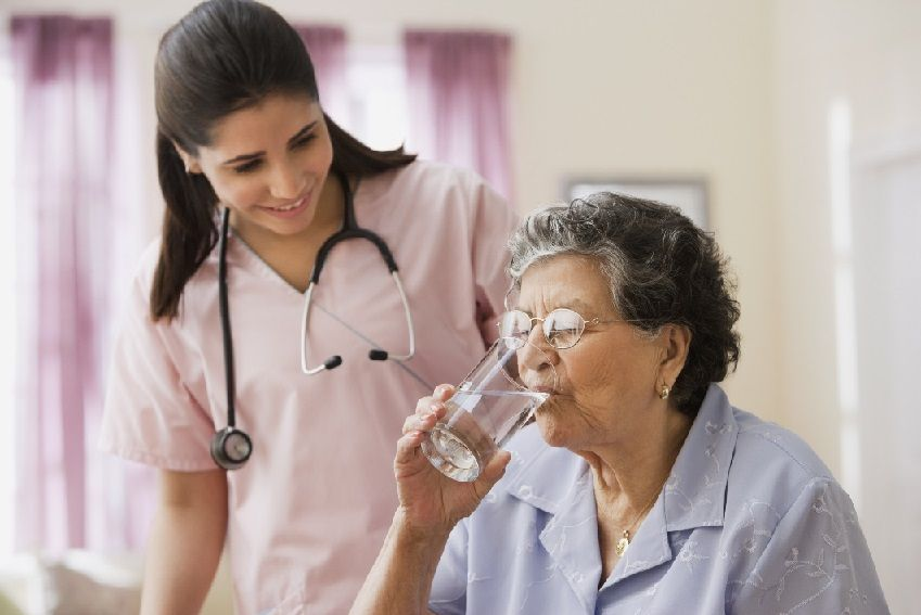 Benefits of Home Healthcare in Massapequa for Both Seniors and Their Families